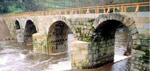El Puente Freixo durante su restauración en 1989