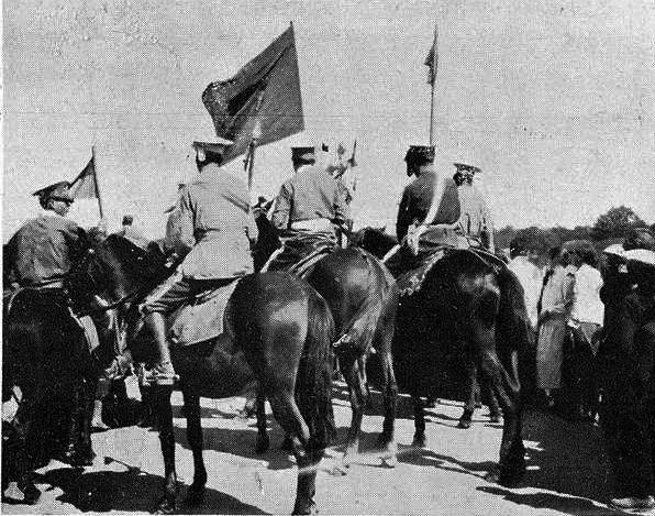 Caballeros cristianos con bandera