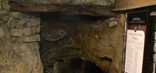 Entrada a la Cueva de San Vivian