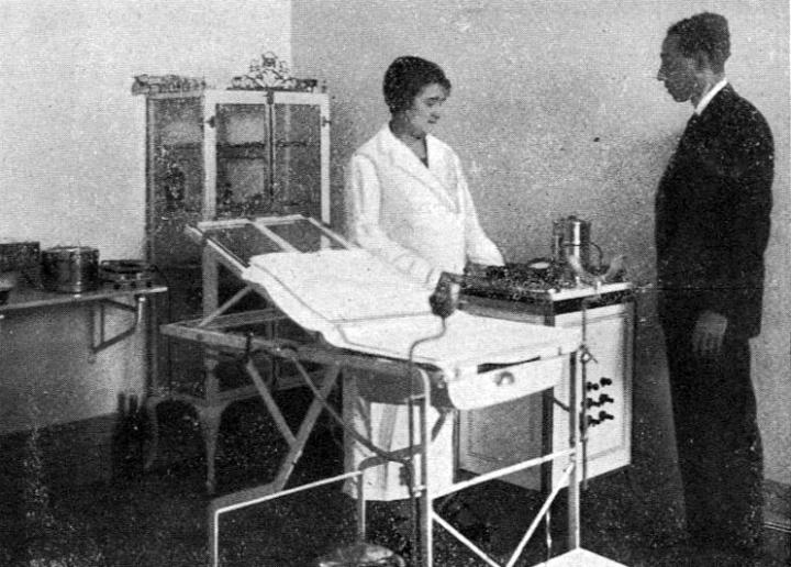 Olimpia Valencia en la inauguración de su clínica en Vigo/ Foto: Ksado