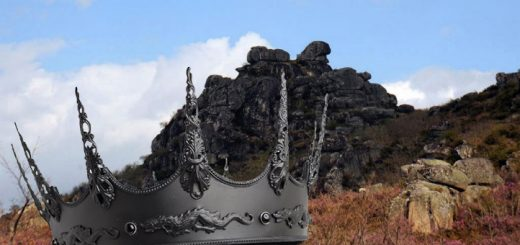 """Penedos"" de la Reina Loba y corona"