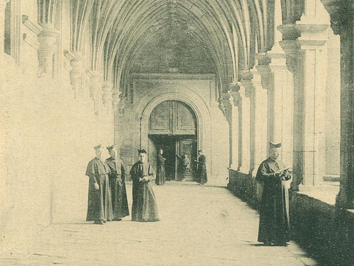 Profesores y alumnos en el colegio de Escuelas Pías de Celanova a principios del siglo XX