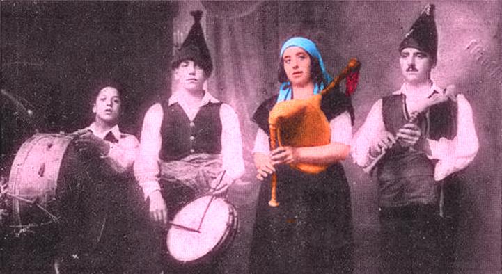 """Áurea Rodríguez y """"Os Maravillas""""/ Elaboración propia a partir de una foto en """"Vida Gallega"""" (20/8/1927)"""