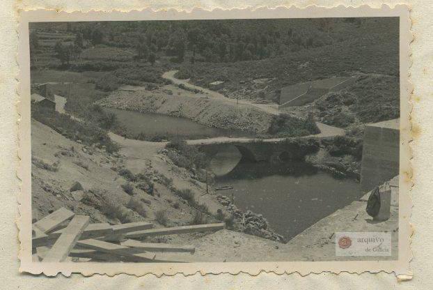 Ponte Pedriña durante la construcción del embalse de As Conchas/ Arquivo de Galicia